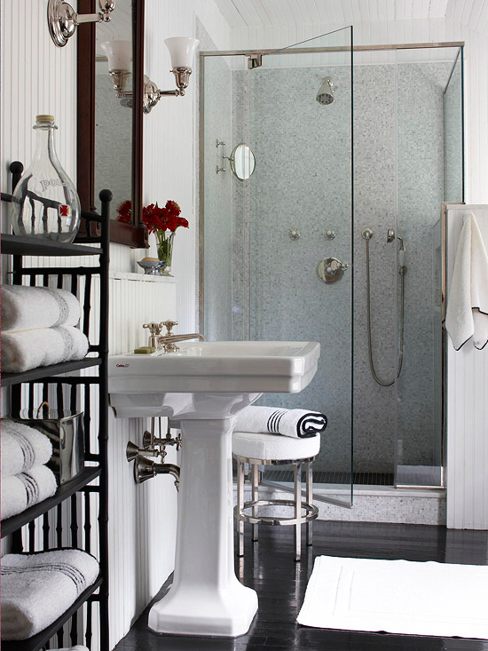 How to Make a Small Bathroom Look Bigger with Tile