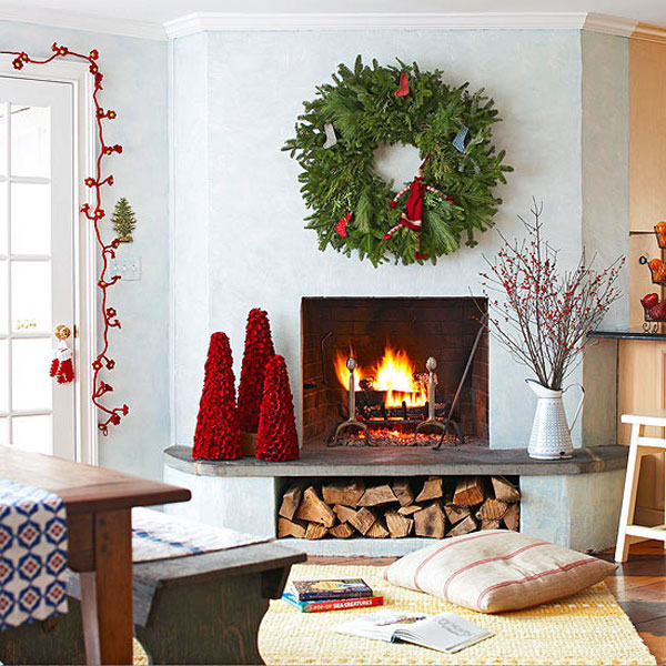 Decorating Fireplace Mantel for Christmas