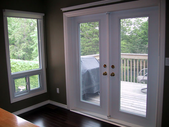 Retractable screen doors home design tips and guides for Hidden screens for french doors