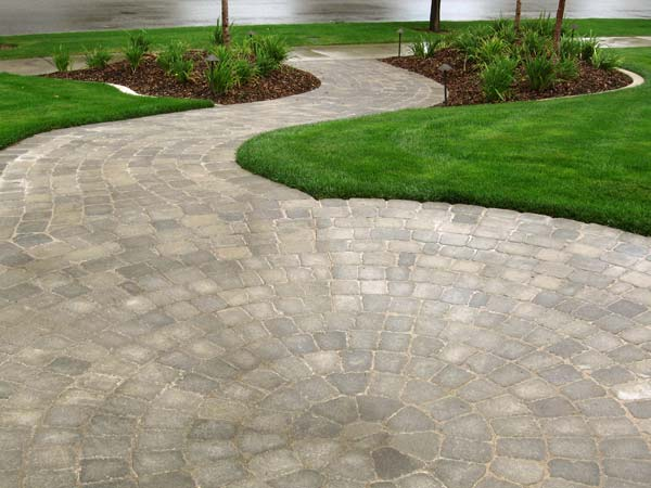 Patio Ideas Using Concrete Pavers