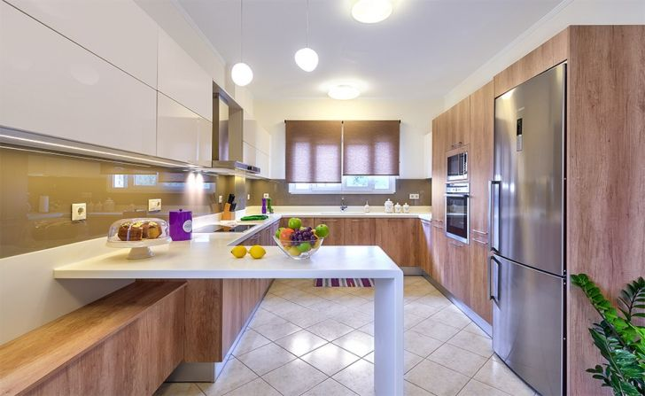 Modern Kitchen with Shiny and Ergonomic Looks