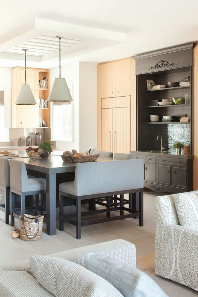 Modern Farmhouse Interior Design Elegance and Functionality Farmhouse ...