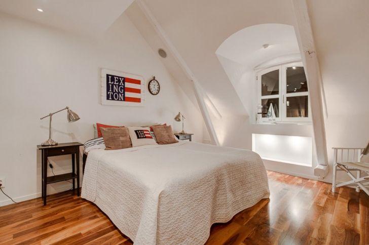 Attic Duplex With Glass Flooring in Stockholm