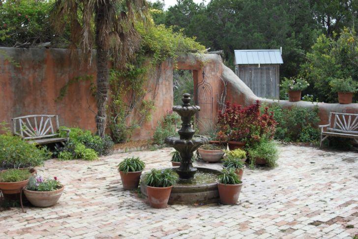Courtyard Fountains Retirement Community