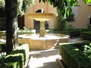 Courtyard Fountains Court Apartments in Hermiston