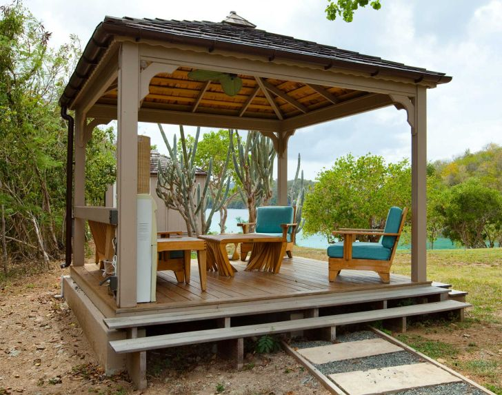 Outdoor Gazebo Design with Wooden Furniture