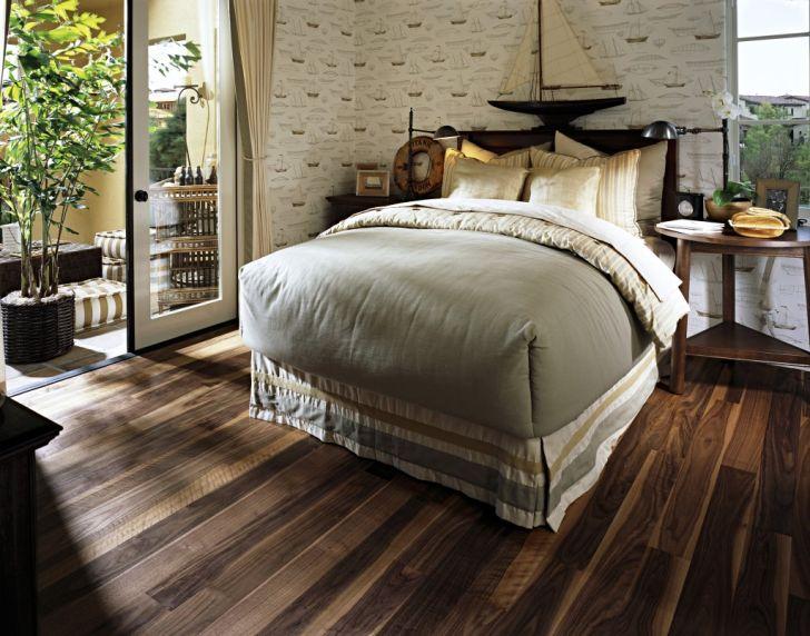 Cleaning Vinyl Floors That Look Like Wood
