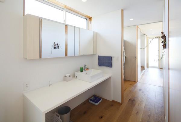 Clean Simple- Bathroom