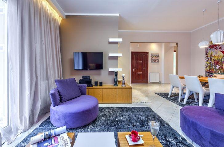 Modern Apartment Ideas with Seasonal Theme