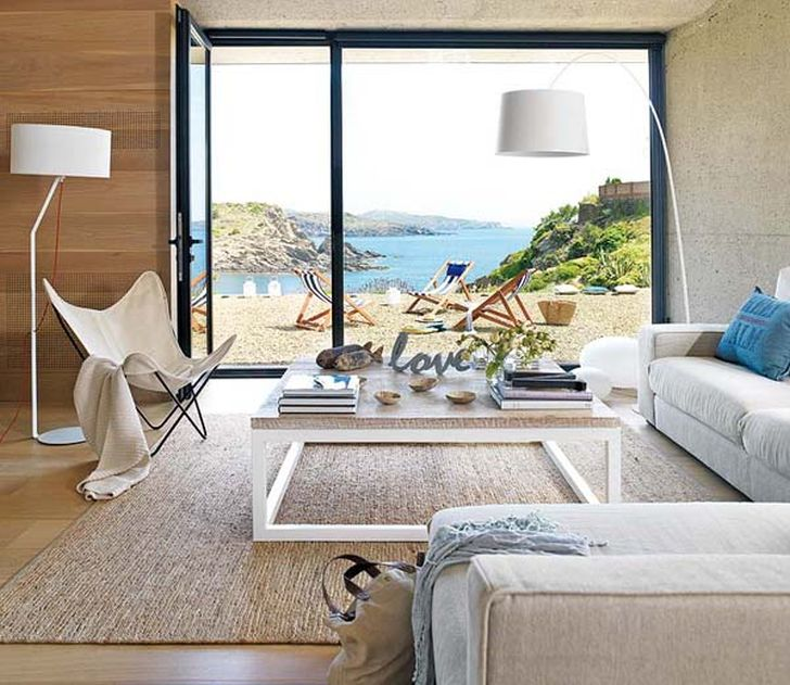 Comfortable and Elegant Summer House